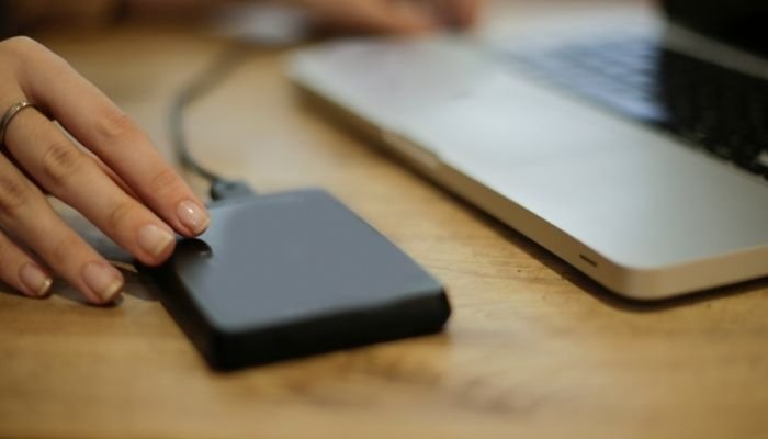 How To Charge Laptop Battery Without Laptop