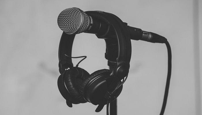 howto use headphone mic on laptop
