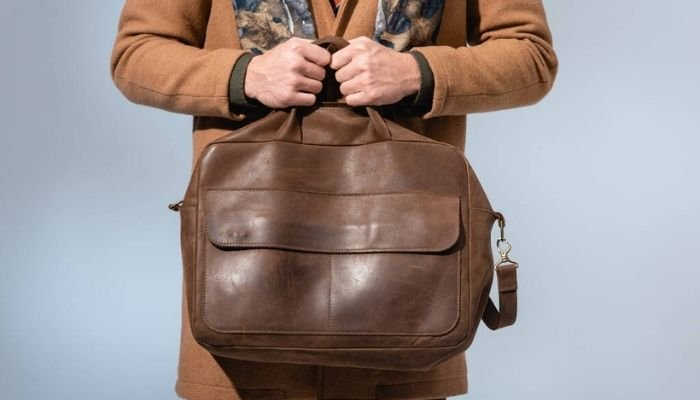 How to Clean Laptop Bag