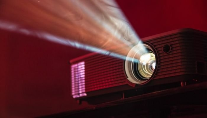 How to Use Infocus Projector With Laptop