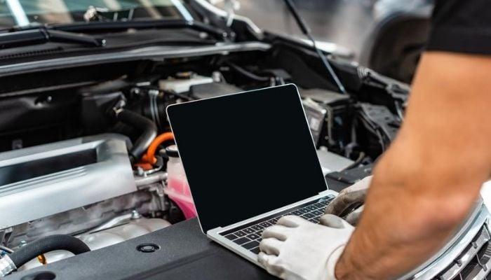 How Long Can a Car Battery Power a Laptop