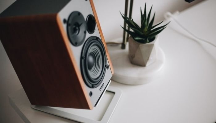 How to Connect 5.1 Speakers to Laptop